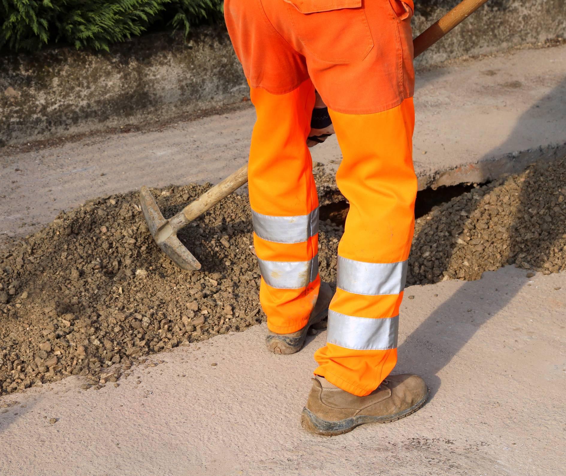 port tenue de travail pantalon normes EPI